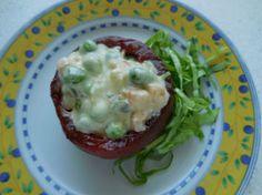 Tomates macédoine: Les tomates macédoine, ce sont des tomates farcies avec une macédoine de légumes à la mayonnaise.