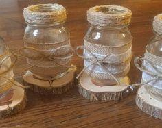 Rústico arpillera y encaje cubren tarro de masón