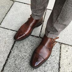 Saturdays require that classy final touch  looking boss  courtesy of:  @crockettandjones_official  Camberley - photo credit @dapperpassion #madetobeworn #crockettandjones #gentlemenofcrockett #london #newyork #italy #menfashion #menstyle #menwithstyle #me
