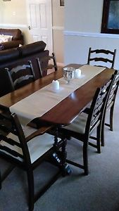 Old Charm Style Dining table And 6 Chairs