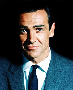 Sean Connery first film was Darby O'gill and the little people.and when Katharine watches this with King Brian dancing.Sean Connery actually sings in this movie. Sean Connery James Bond, Sean Connery Young, Bond Girls, Hollywood Men, Classic Hollywood, Xavier Samuel, Divas, Best Bond, Scottish Actors