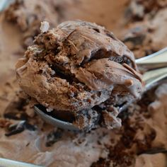 Extreme Chocolate Ice Cream - This No Churn Ice Cream is packed with Chocolate Chunks and Brownies! Inspired by my favorite Dairy Queen Blizzard flavor.