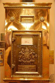 Royal Canadian Post Box