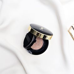 This #YSL cushion foundation is everything  Thanks you @elainnio getting it for me from Singapore  #luxurybeauty #instabeauty #bblogger #flatlay #makeuplover #yslbeauty #yslmakeup
