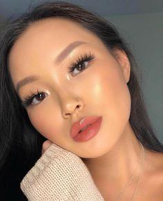 glowy makeup – Hair and beauty tips, tricks and tutorials Clown Makeup, Cute Makeup, Glam Makeup, Makeup Inspo, Bridal Makeup, Makeup Inspiration, Pretty Makeup, Hair Makeup, Makeup Ideas
