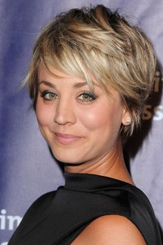 A shaggy pixie cut emphasizes Cuoco's contoured cheeks.