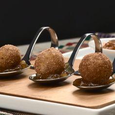 Veja esta de Receita de Croquetes de Alheira com Cebola Caramelizada. Esta e outras deliciosas receitas no site de nestlé Cozinhar.