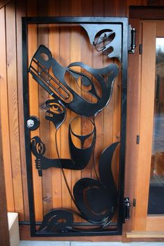 Design by Gordon Dick and metal smith work by Adam Plater. On Ahtsik Native art Gallery: Pacific Rim Highway, Port Alberni, BC Canada· Cool Doors, Unique Doors, Native Art, Native American Art, Steel Security Doors, Haida Art, Inuit Art, Native Design, Indigenous Art