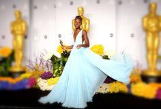"""Lupita Nyong'o  wurde bei der Oscar-Verleihung im Februar als beste Nebendarstellerin im Film """"12 Years a Slave"""" ausgezeichnet. Für viel Aufsehen sorgte auch das Kleid der Schauspielerin - es tauchte in den allermeisten Moderankings zur Preisverleihung auf den vordersten Plätzen auf. Zu Recht. Nachdem die Schauspielerin diesen blassblauen Märchenentwurf von  Prada  trug, landete sie auf dem Cover der """"Vogue"""", wurde das Gesicht von Lancôme und zum Lieblingsgast auf roten Teppichen."""