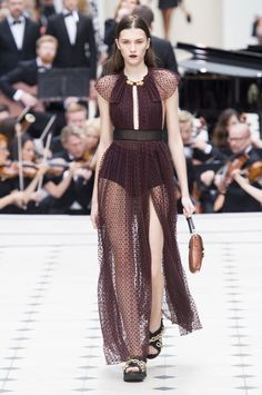 The Best of LFW Spring '16: Editor Truc Nguyen's Faves - September 21: Burberry Prorsum