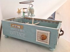 Vinyl Crafts, Wood Crafts, Diy And Crafts, One Photo, Wooden Truck, Apple Crates, Decoupage Box, Country Crafts, Wooden Boxes
