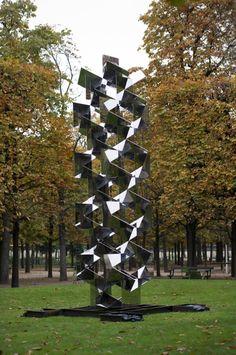 [COUP D'OEIL] Jardin des Tuileries / Sculpture / Francisco Sobrino  Miroir sans fin  Facebook : http://www.facebook.com/fiacparis Twitter : http://twitter.com/FIAC
