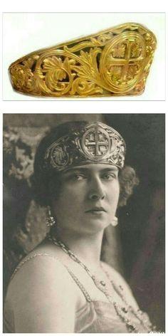 Princess Maria of Romania, Queen of Yugoslavia Royal Crown Jewels, Royal Crowns, Royal Tiaras, Royal Jewelry, Tiaras And Crowns, Queens Jewels, Tiara Hairstyles, Mein Style, Royal House