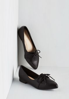 Right to the Point Flat. We know youre a busy gal so well get right to it - those pointed flats youre always wearing couldnt be any more perfect! #black #modcloth