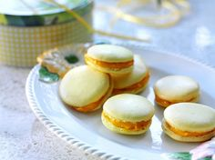 Pääsiäisen macaronit: http://www.dansukker.fi/fi/resepteja/paasiaisen-macaronit.aspx  Kokeile maustaa sitruunaraasteella tai sulatetulla suklaalla. #macaroni #leivonnainen