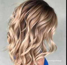 Hair Color Trends 2018 – Highlights : Butterscotch Blonde Hair Color Trends 2018 – Highlights Butterscotch Blonde Discovred by : Brooke Albers Brown Blonde Hair, Blonde Fall Hair Color, Caramel Blonde Hair, Blonde Balayage, Bayalage, Brown Balayage, Blonde Ombre, Blonde Brunette, Cool Hair Color