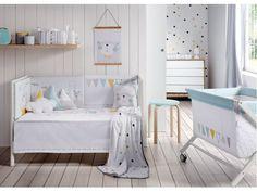 Party, es el nombre de una de las nuevas colecciones de ropa de cuna de Petit Praia.  Originales y coloridos animales sobre fondo blanco.  Una preciosa colección en algodón 100%.  http://www.aqdecoracion.es/ropa-para-cuna-colecciones-7/party-oso-conejo-gato-y-pajaro-de-moderno-diseno-119/  #ropadecuna #mobiliarioparabebes #mueblesparabebes #decoracioninfantil #habitacionesinfantiles #habitacionesparabebes #decoandkids #decobaby