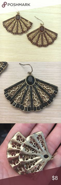 Francesca's earrings Worn for an event. Haven't used them since! Francesca's Collections Jewelry Earrings