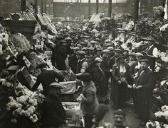 B358 Floral Hall Covent Garden Market 1910. This is now London's Transport Museum .