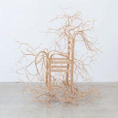 beeldhouwen-houten-stoelen-2