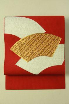 Scarlet nagoya obi (hassun), fan pattern / 濃い赤地 扇面柄 綴れ織りの八寸名古屋帯 #Kimono #Japan http://global.rakuten.com/en/store/aiyama/