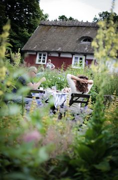 House of Philia Swedish Cottage, Red Cottage, Going Up The Country, Scandinavian Cabin, House Of Philia, Sweden Travel, Swedish Style, Fika, Garden Cafe
