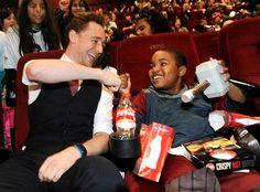 Tom Hiddleston surprises NYC kids at Daily News/Disney screening of 'Thor: The Dark World'