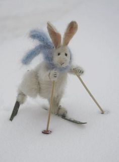 Needle felted rabbit on skis - Needle Felted Animals, Felt Animals, Cute Animals, Funny Bunnies, Ski Bunnies, Bunny Rabbits, Wet Felting, Needle Felting, Felt Mouse