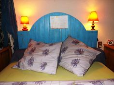 Painted Do It Yourself Pallet Headboard | 99 Pallets
