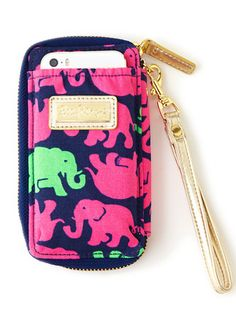 Sending someone off to High School in the fall? Or even college. A wristlet is the perfect spot for keys, phone, cash. Love the elephant print from @lillypulitzer