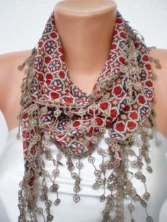 this scarf is lovely
