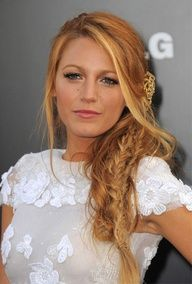 16 Hairstyles for a Beach Wedding #celebstylewed #bridal #hair