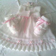 Kız Bebeklere Örgü Elbise Modelleri 101