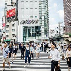 #wilsonhophotography #color #street #urban #city #crosswalk #tokyo #streetphotography #streetfashion #japan #bigcity #efficient #japan #japanese  / www.wilsonhophotography.com Color Street, Street Style, Urban City, Street Photography, Tokyo, Street View, Japanese, Photo And Video, Instagram
