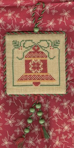 Christmas Ornaments - Katla Adams - Picasa Web Albums this is so pretty and I love the way it's finished!
