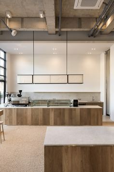 Cafe Shop Design, Coffee Shop Interior Design, Restaurant Interior Design, Bakery Design, Café Restaurant, Restaurant Concept, Cafe Display, Wood Cafe, Cafe Counter