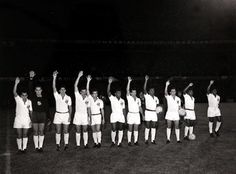 Intercontinental Cup: Santos line up before the 2nd leg match v Benfica, Lisbon, 11 October 1962. (Photo: Popperfoto)