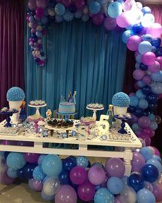 Frozen Birthday Decorations, Frozen Themed Birthday Party, Disney Frozen Birthday, Pool Party Decorations, Frozen Birthday Party, Birthday Party Themes, Chanel Birthday Party, Frozen Christmas, Frozen 2