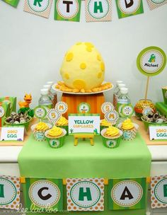Hostess with the Mostess® - Dinosaur Party! Love the egg cake