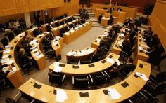 Η Κυβέρνηση θα εξετάσει το ενδεχόμενο απόσυρσης ή και επανακατάθεση του νομοσχεδίου για την κρατική περιουσία