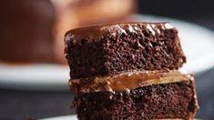 Salted Caramel Chocolate Cake #dessert #breakfast #cake #chocolate #meals No Egg Chocolate Cake, Salted Caramel Chocolate Cake, Chocolate Heaven, Chocolate Caramels, Chocolate Frosting, Hawaiian Bread Recipe, Crack Bread, Cinnamon Cake, Dessert Recipes