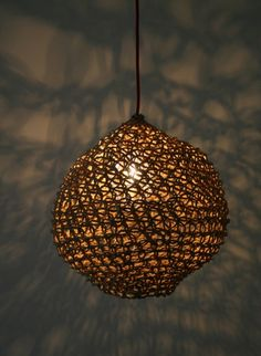 http://www.thecollection.fr/579-1659-thickbox/suspended-lamp-ovni-medium-best-before.jpg
