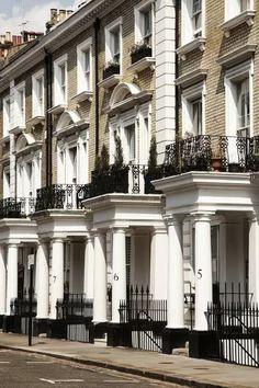 Georgian Townhouse, London Townhouse, Georgian House, England Uk, London England, Townhouse Exterior, Georgian Architecture, London Boroughs, Fulham