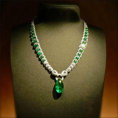 Emeralds necklace by Cartier - Biennale 2012