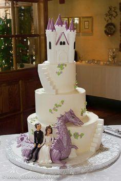 dragon-fantasy.jpg This is a wonderful wedding Cake :)