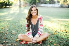 Senior pictures. Aubrey Marie Photography. Love the outfit in this one!