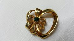 Avon Birthstone Heart May Pin Mint condition gold tone 1992 #avonjewellery #lucylucylemoncoupons