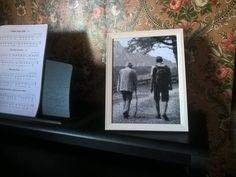 Sticke dein Foto: Der letzte Wanderausflug :-) Stitch your photo: A precious memory :-) Stickbox stitch box Stitch Box, Polaroid Film, Lounge, Frame, Decor, Pictures, Airport Lounge, Picture Frame, Drawing Rooms