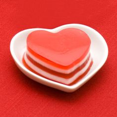 Layered Jello Hearts in Dessert Recipes, Recipes, Valentine's Day Valentines Day Dinner, Valentines Day Treats, Holiday Treats, Holiday Recipes, Valentine Party, Valentines Recipes, Holiday Foods, Summer Recipes, Valentine Gifts