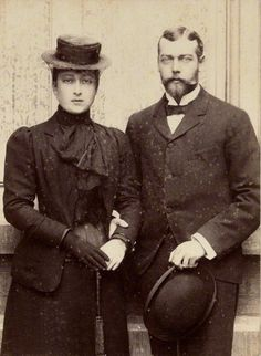 King George V and sister Queen Maud of Norway
